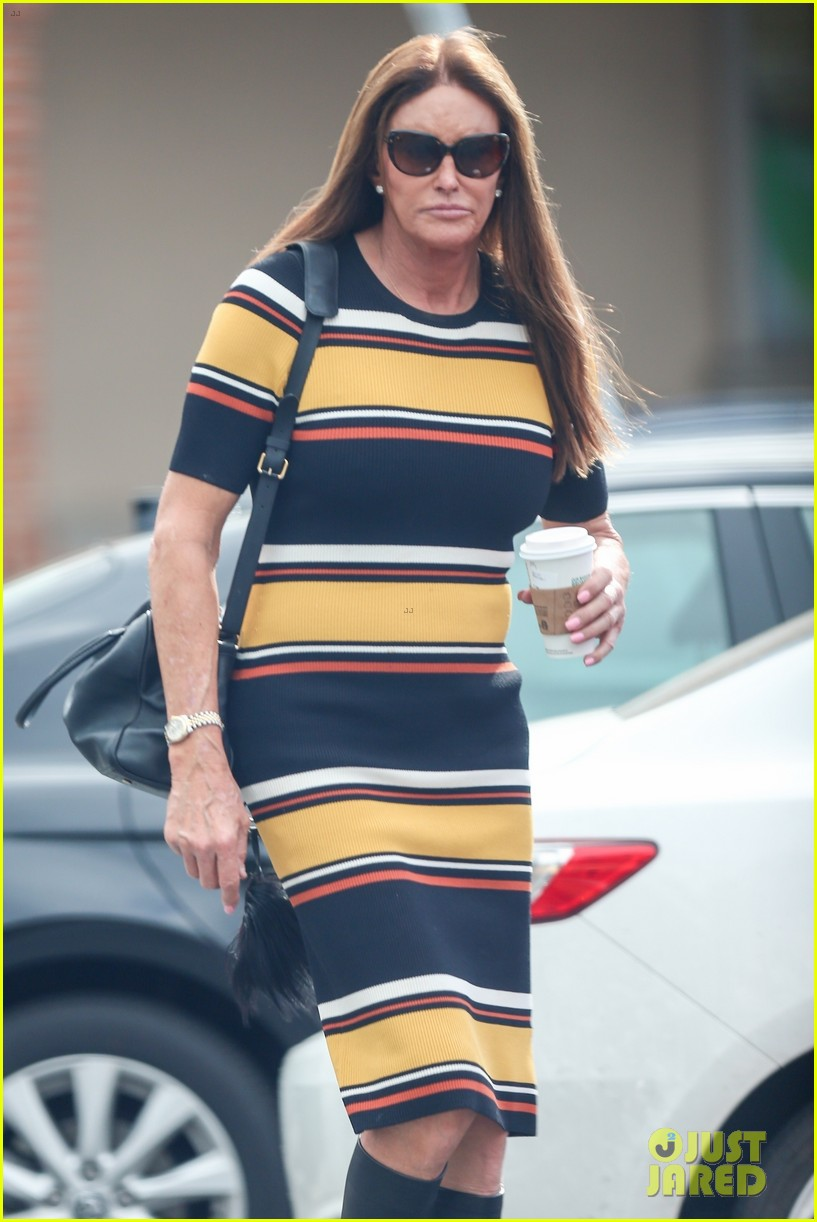 caitlyn jenner wears striped dress 04