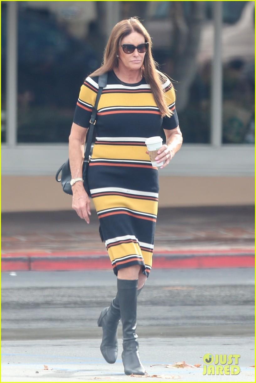 caitlyn jenner wears striped dress 05