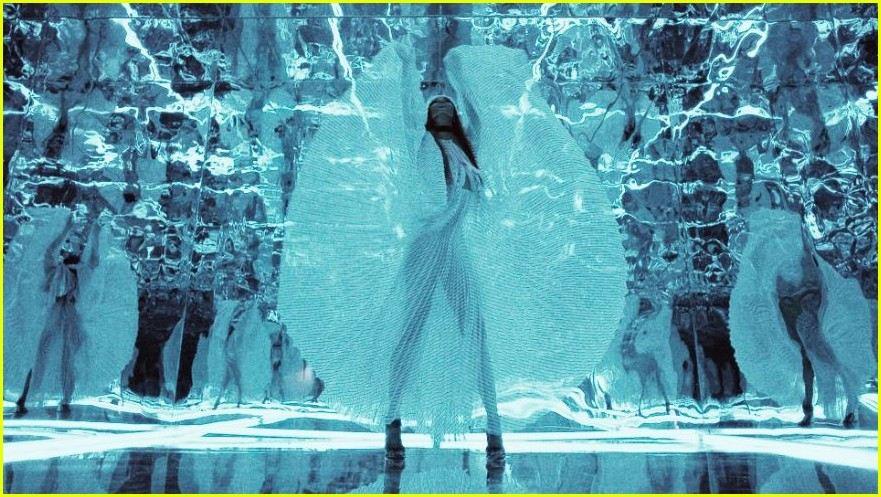 naomi campbell launches equinox hotels new campaign 014226345