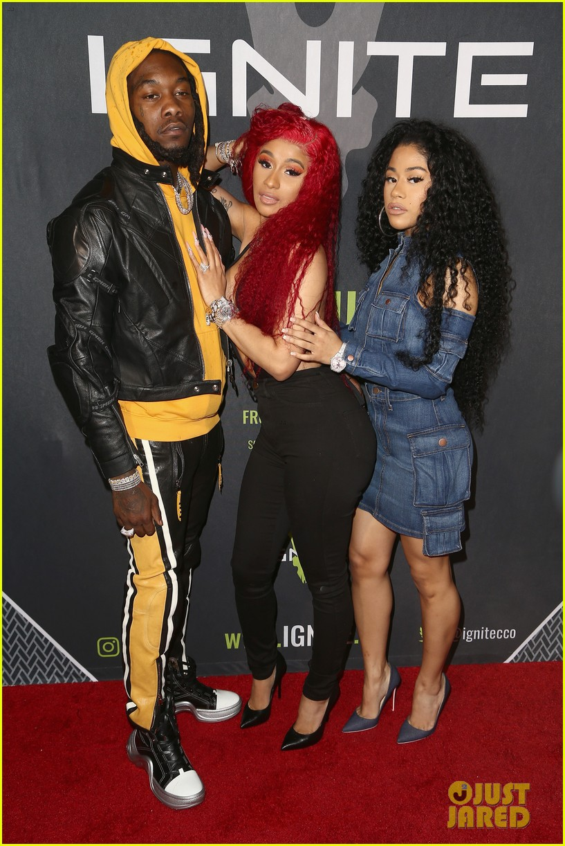 cardi b rocks offset engagement ring for the first time in months 07