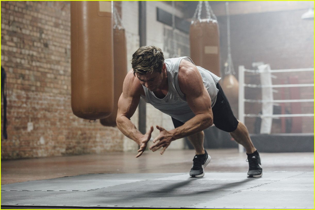 chris hemsworth launches centr app 054237341