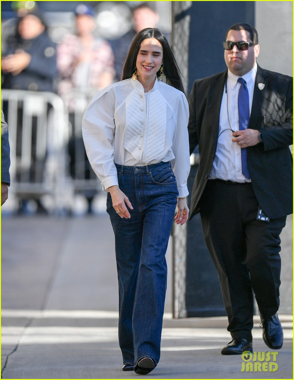 jennifer connelly talks riding motorcycle with tom cruise in top gun sequel 01