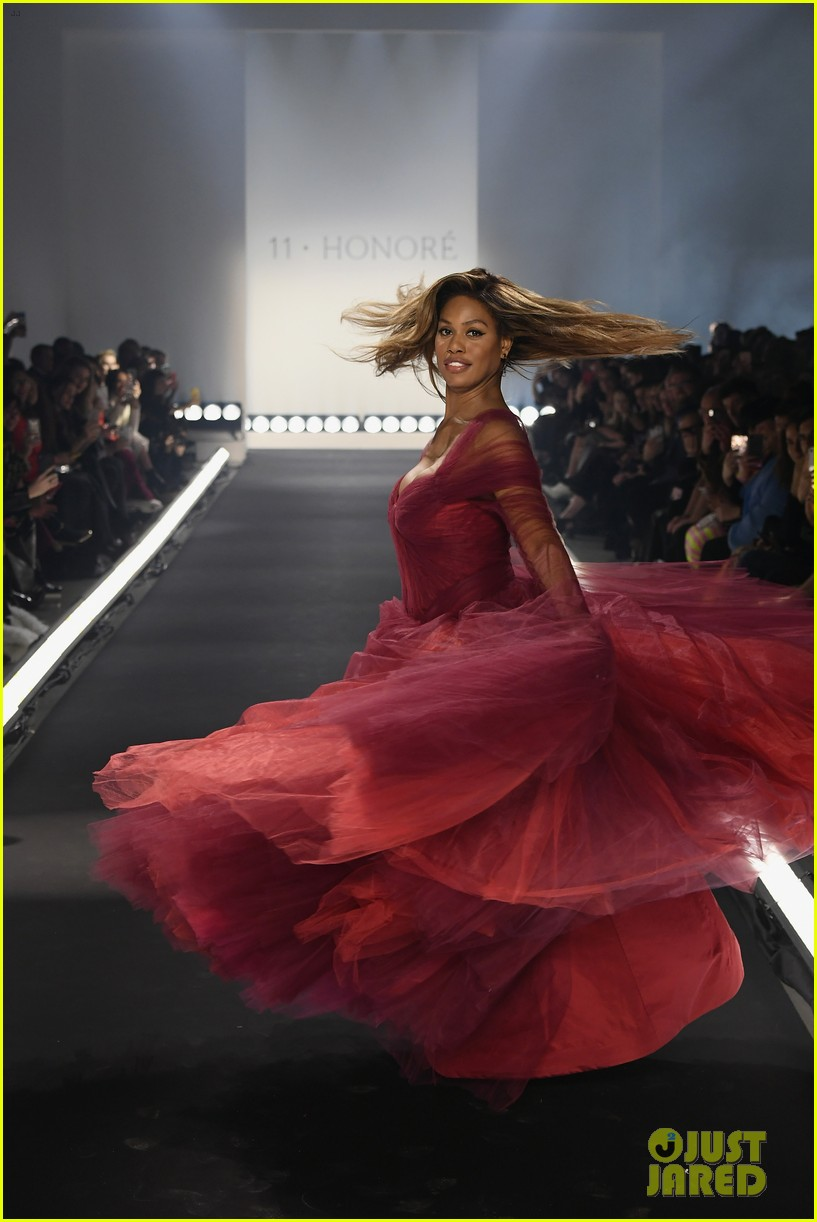 laverne cox wows the runway closing 11 honore nyfw show 044224865
