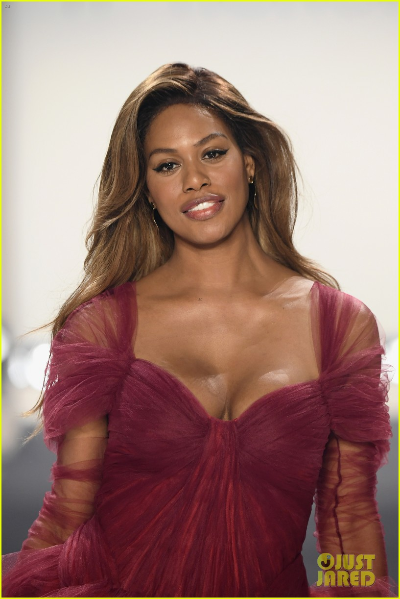 laverne cox wows the runway closing 11 honore nyfw show 124224873