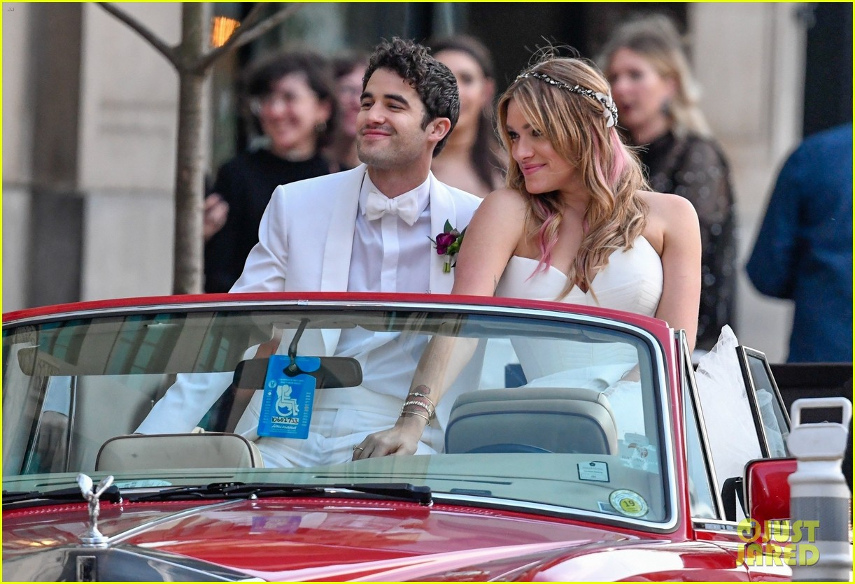 darren criss mia swier are married see their wedding photos 054240234