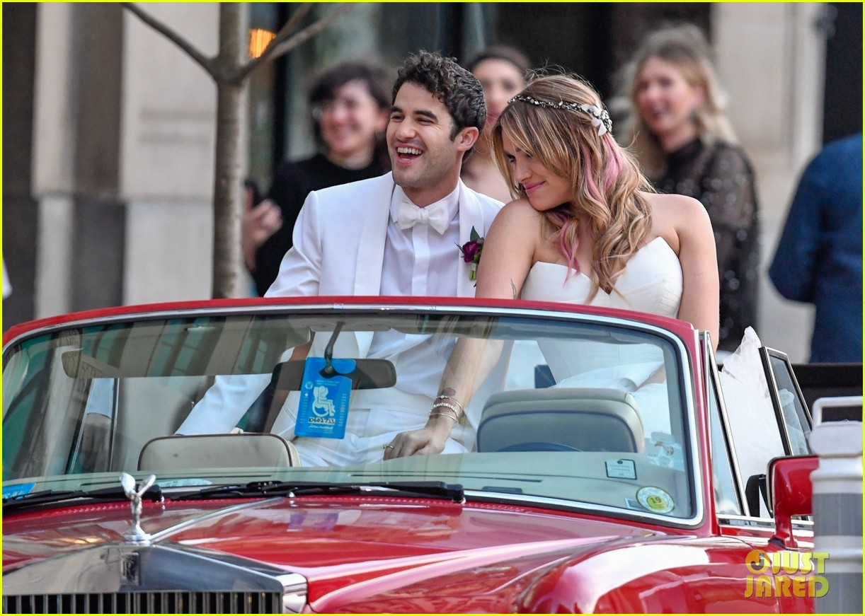 darren criss mia swier are married see their wedding photos 154240244