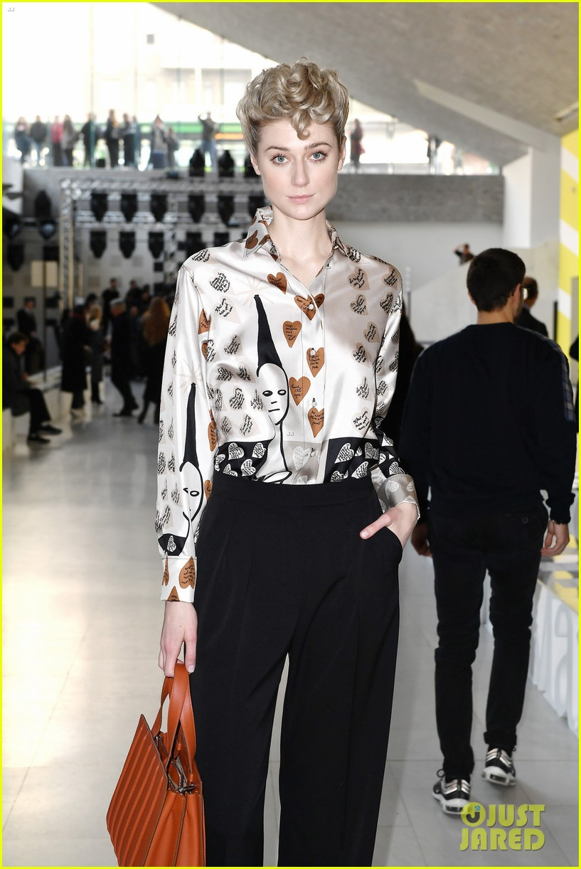 elizabeth debicki honored with max maras face of the future award 024242143