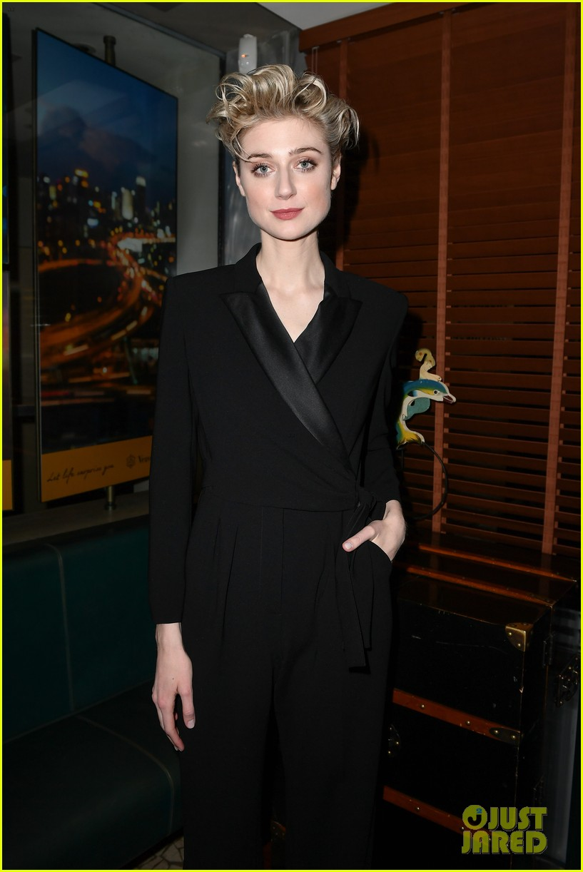 elizabeth debicki honored with max maras face of the future award 034242144