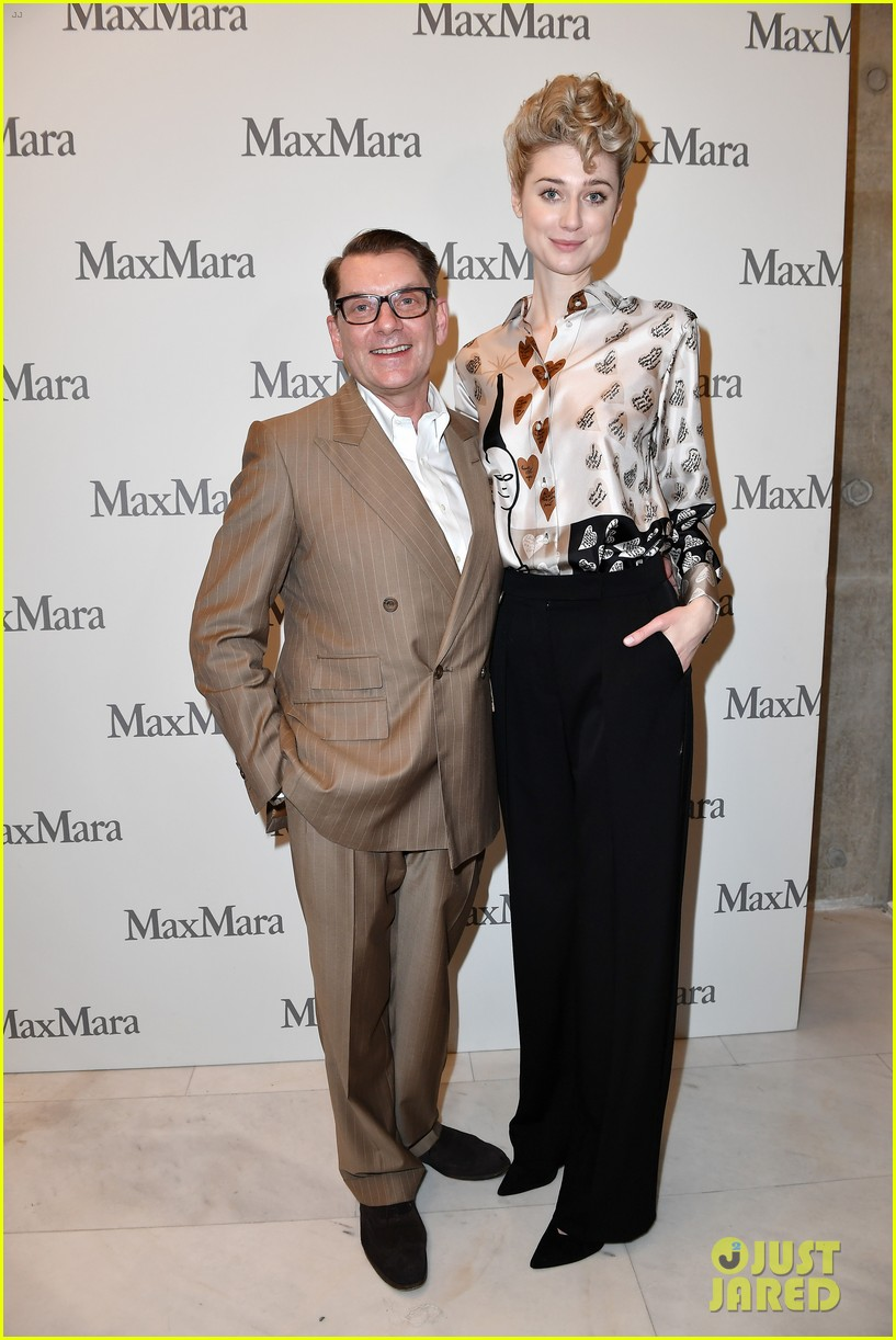 elizabeth debicki honored with max maras face of the future award 044242145