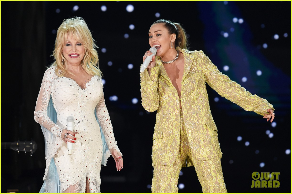 Miley Cyrus, Katy Perry, & Pay Tribute to Dolly Parton at ...