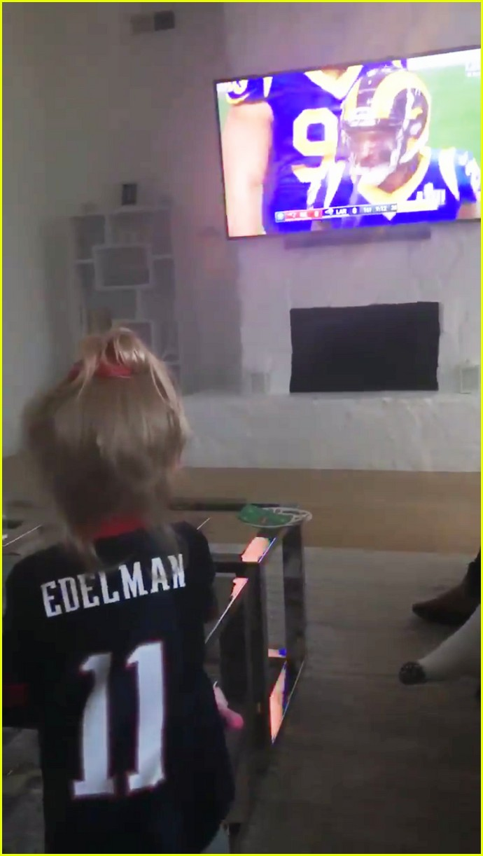 Julian Edelman S Daughter Cheers On His Super Bowl Mvp