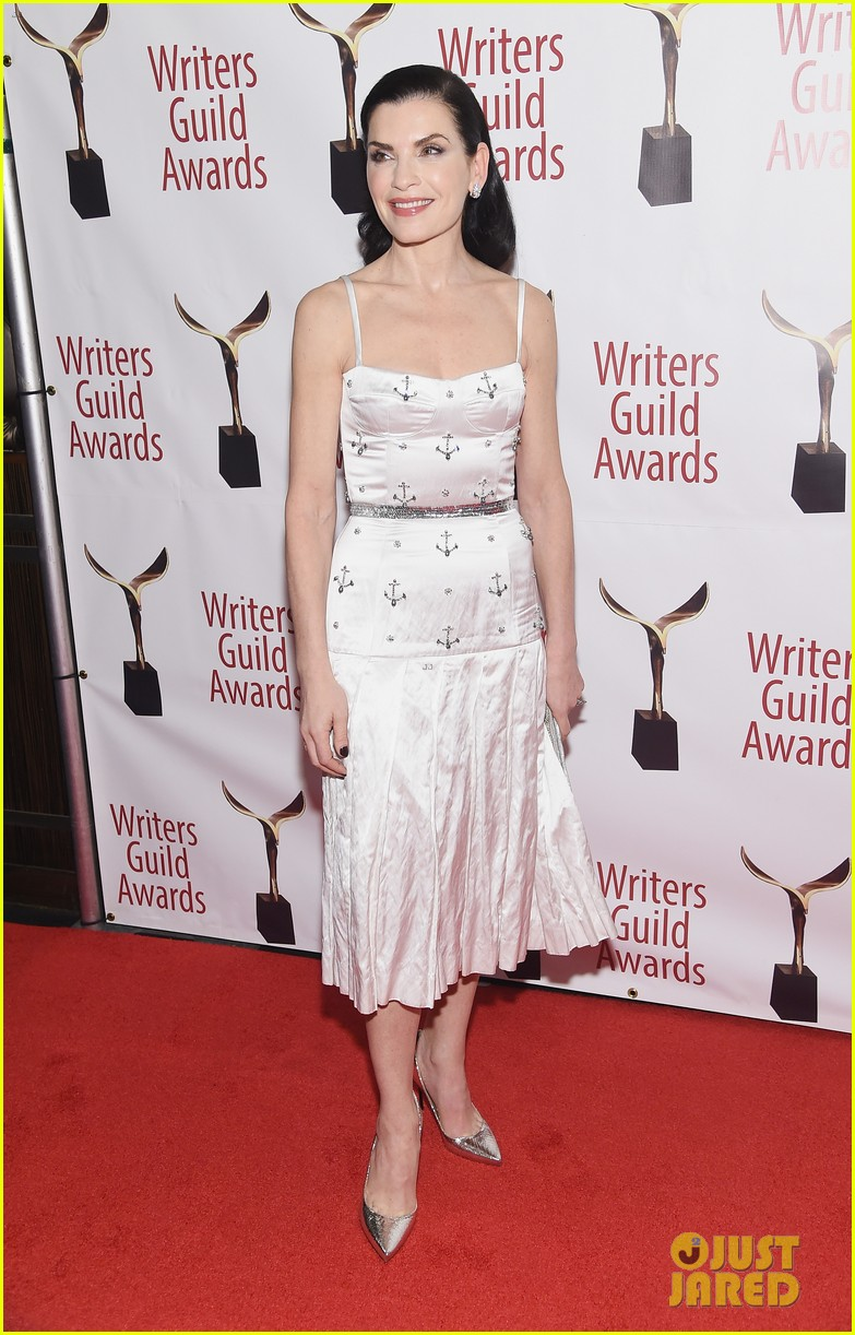 julianna marguiles ellie kemper writers guild awards nyc 13