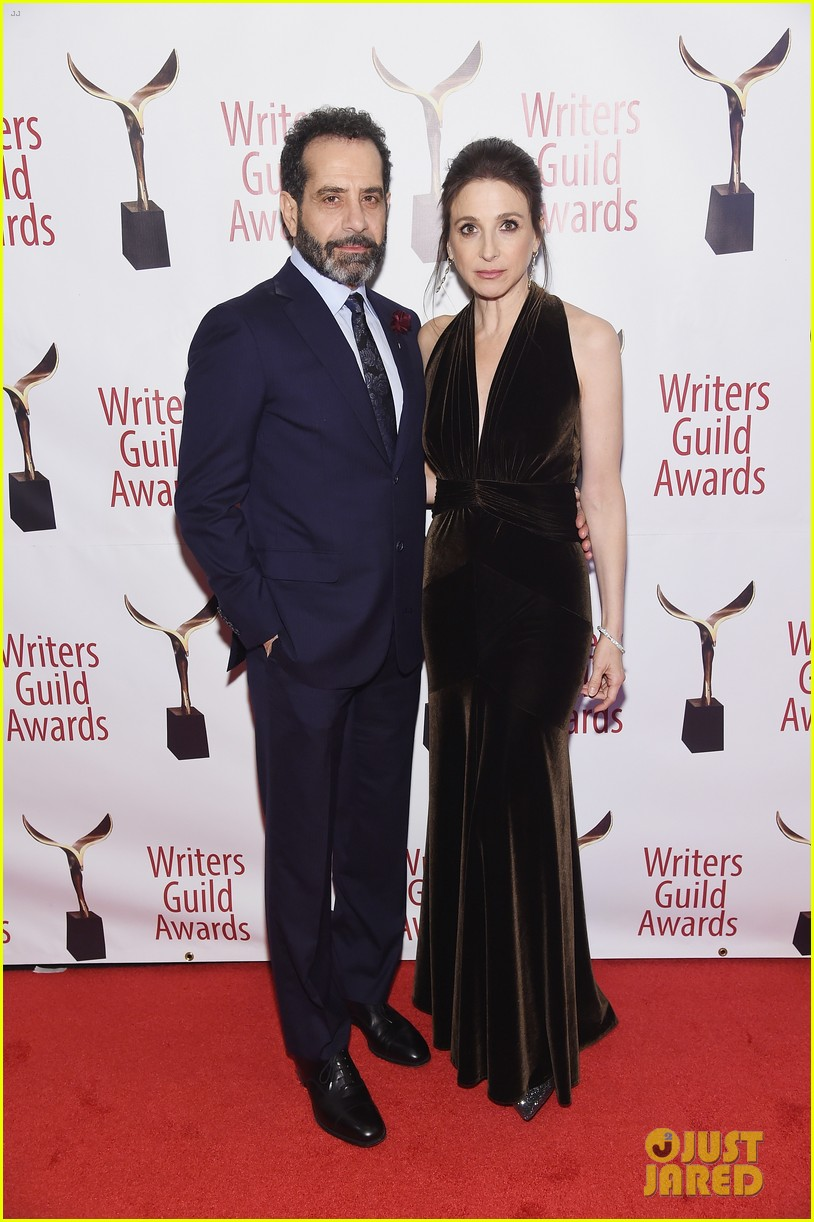 julianna marguiles ellie kemper writers guild awards nyc 24