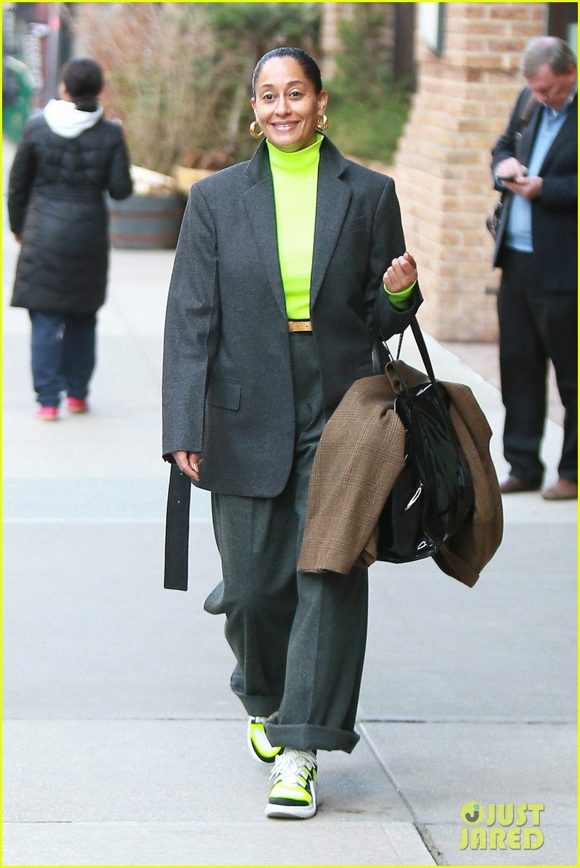tracee ellis ross jets out of nyc in style 06