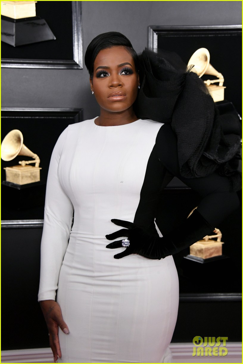 Fantasia Barrino Amp Ashanti Hit The Red Carpet At Grammys