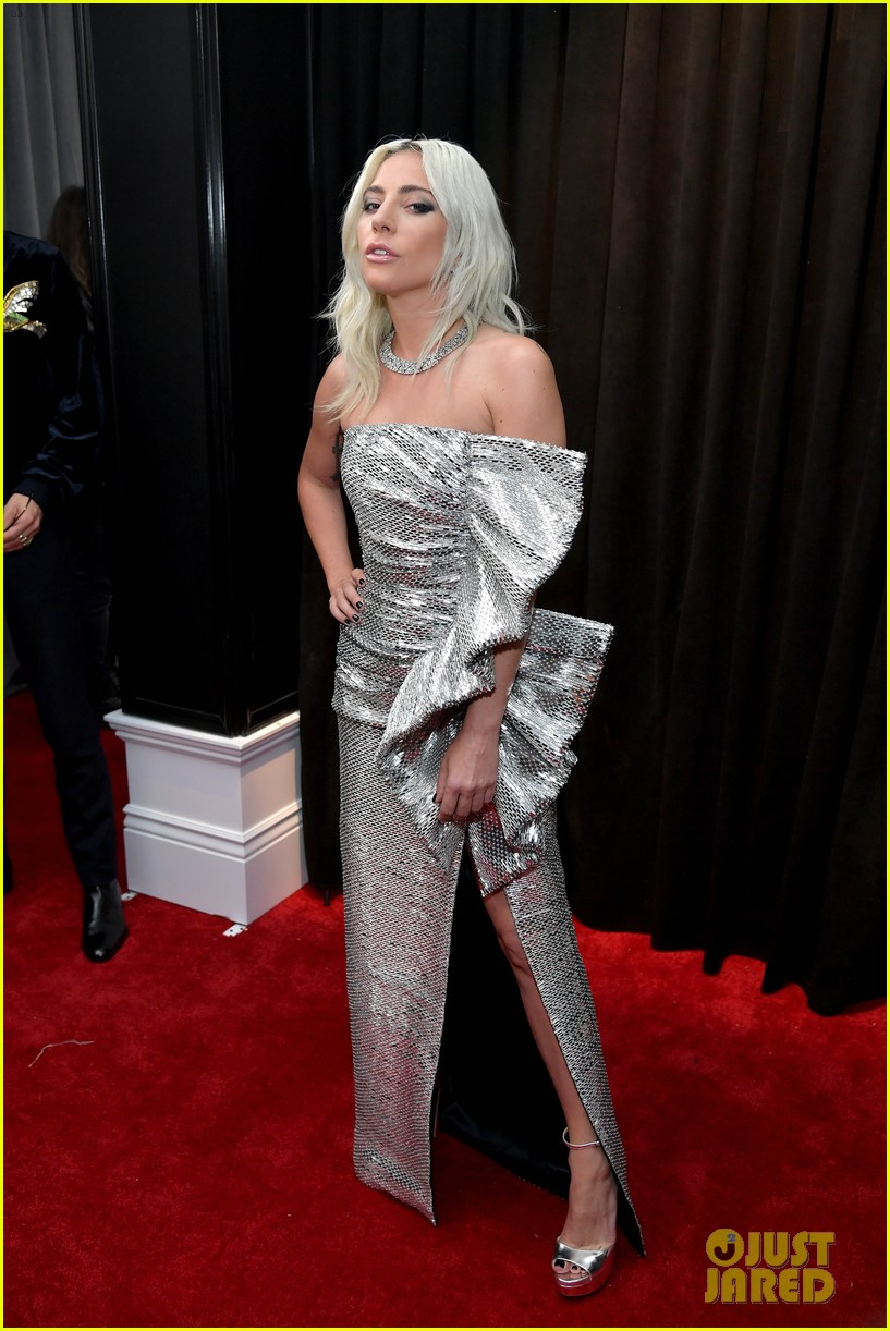 Lady Gaga Shines In Silver On Grammys 2019 Red Carpet Ahead