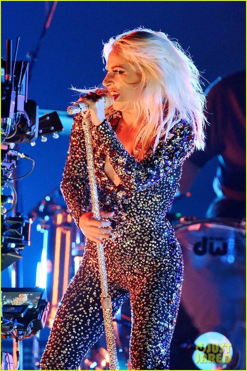 lady gaga shallow performance grammys 2019 044236564