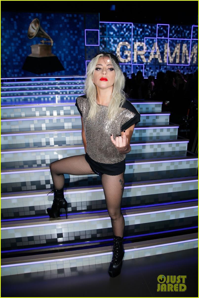 lady gaga third grammys outfit 014236767