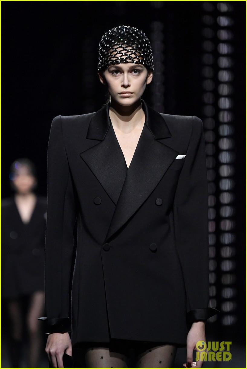 kaia gerber goes glam for saint laurent paris fashion show 014248631
