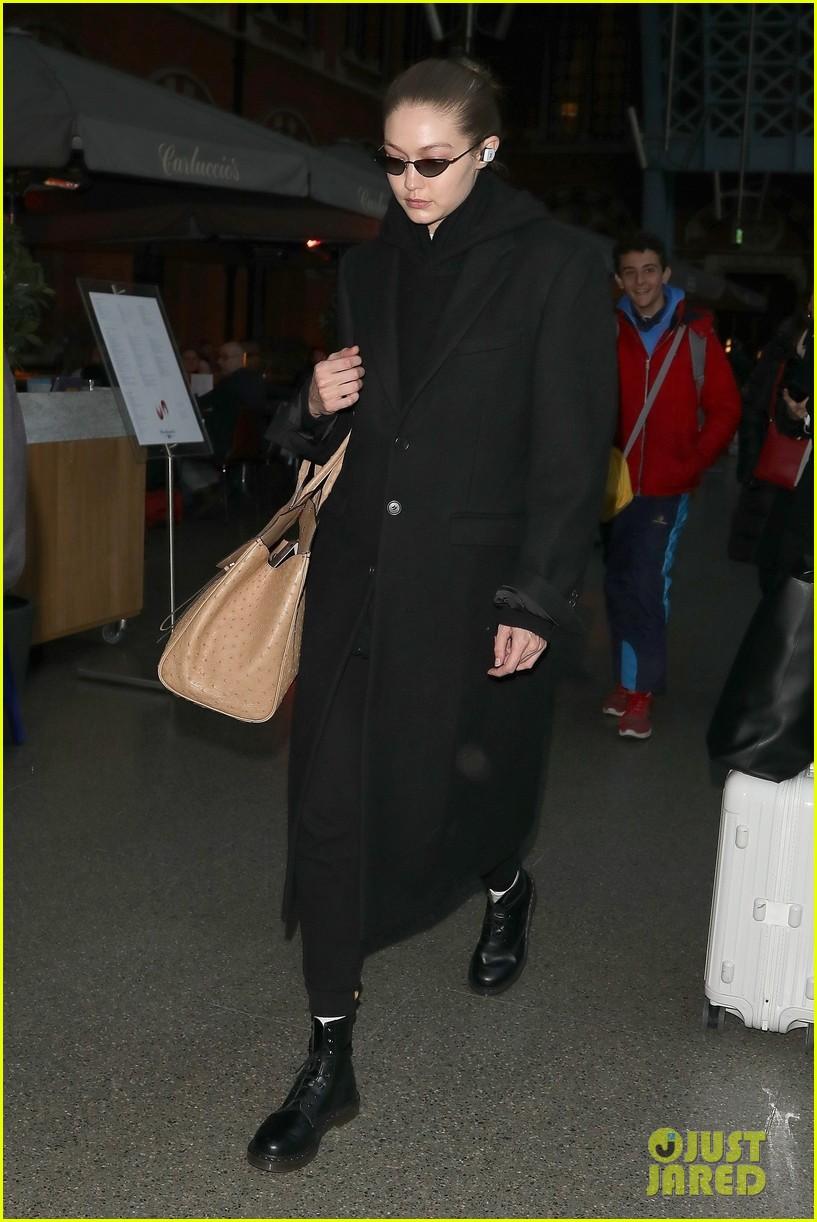 gigi hadid arrives in london fashion week 03