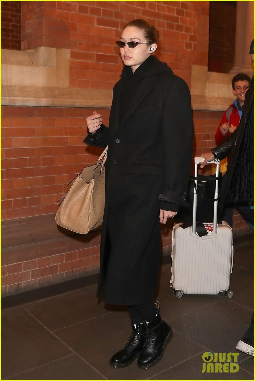 gigi hadid arrives in london fashion week 05