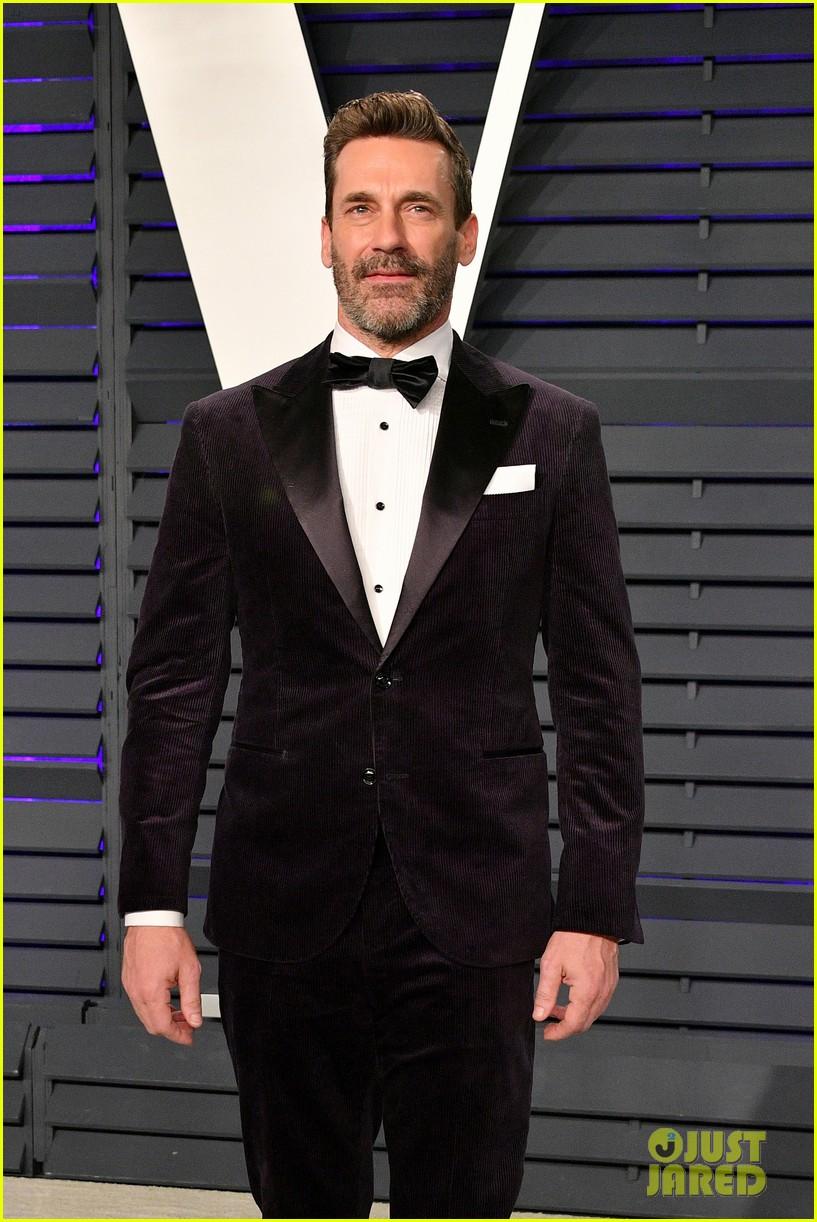 jon hamm idris elba and adrien brody suit up for vanity fairs oscars 2019 party 06