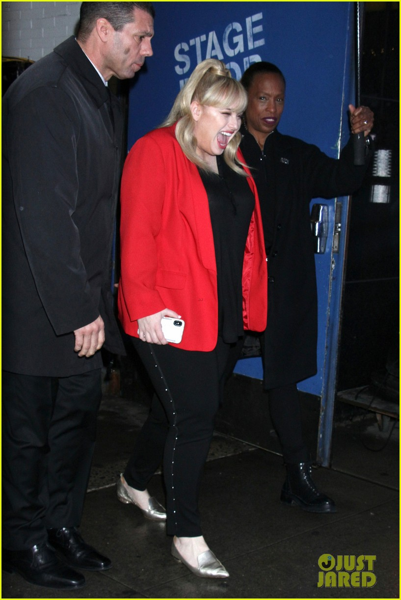 liam hemsworth and miley cyrus invite rebel wilson to crash their valentines day date 044225926