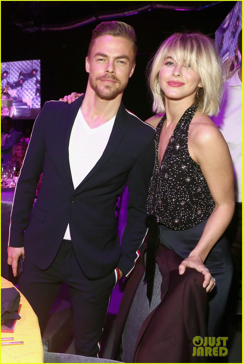 julianne and derek hough make it a family affair steven tylers grammys 2019 viewing party 184236895