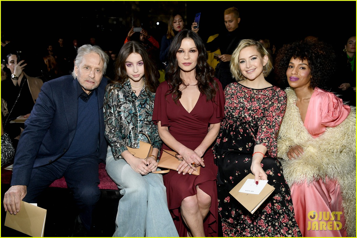 kate hudson priyanka chopra kerry washington sit front row at michael kors nyfw show 06
