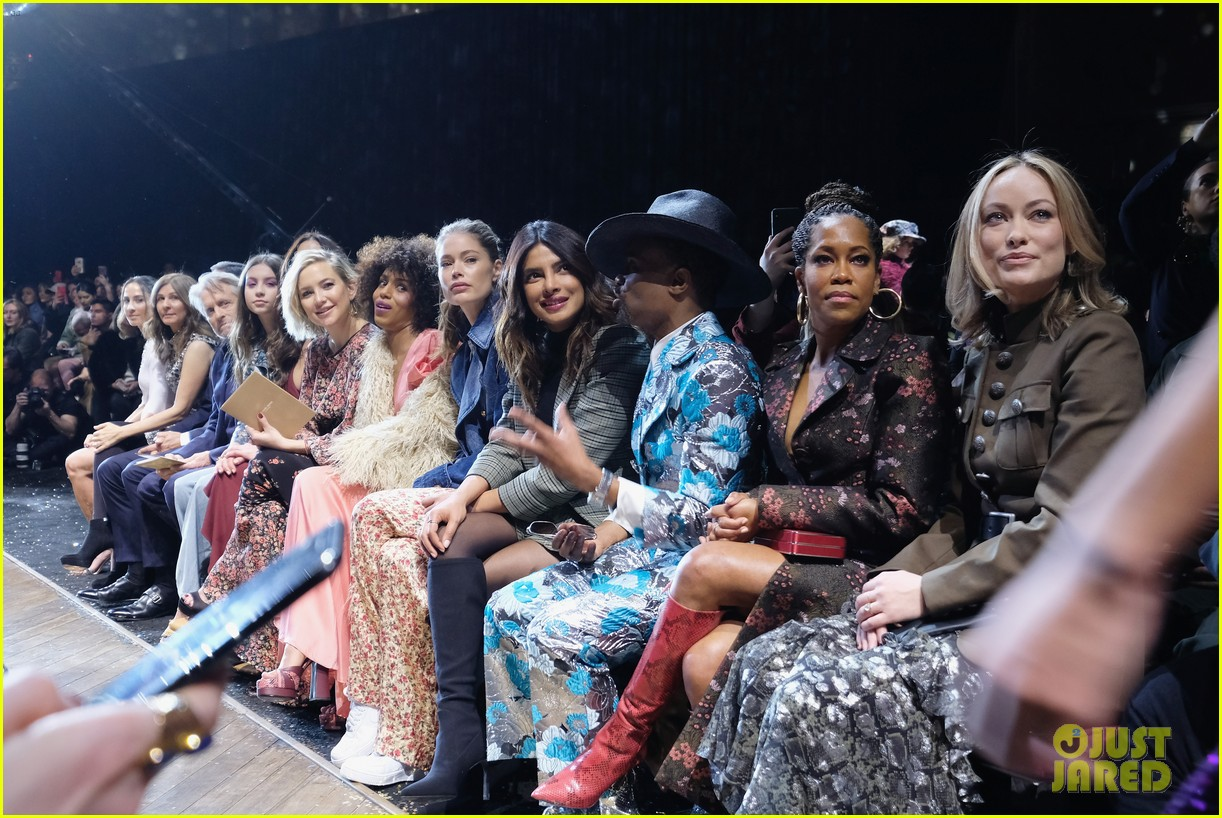kate hudson priyanka chopra kerry washington sit front row at michael kors nyfw show 11