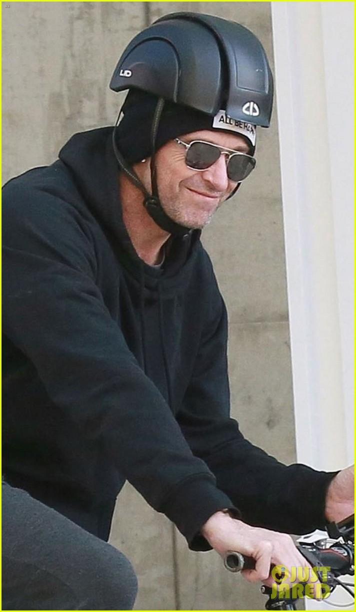 hugh jackman rides his bike around nyc 024225786