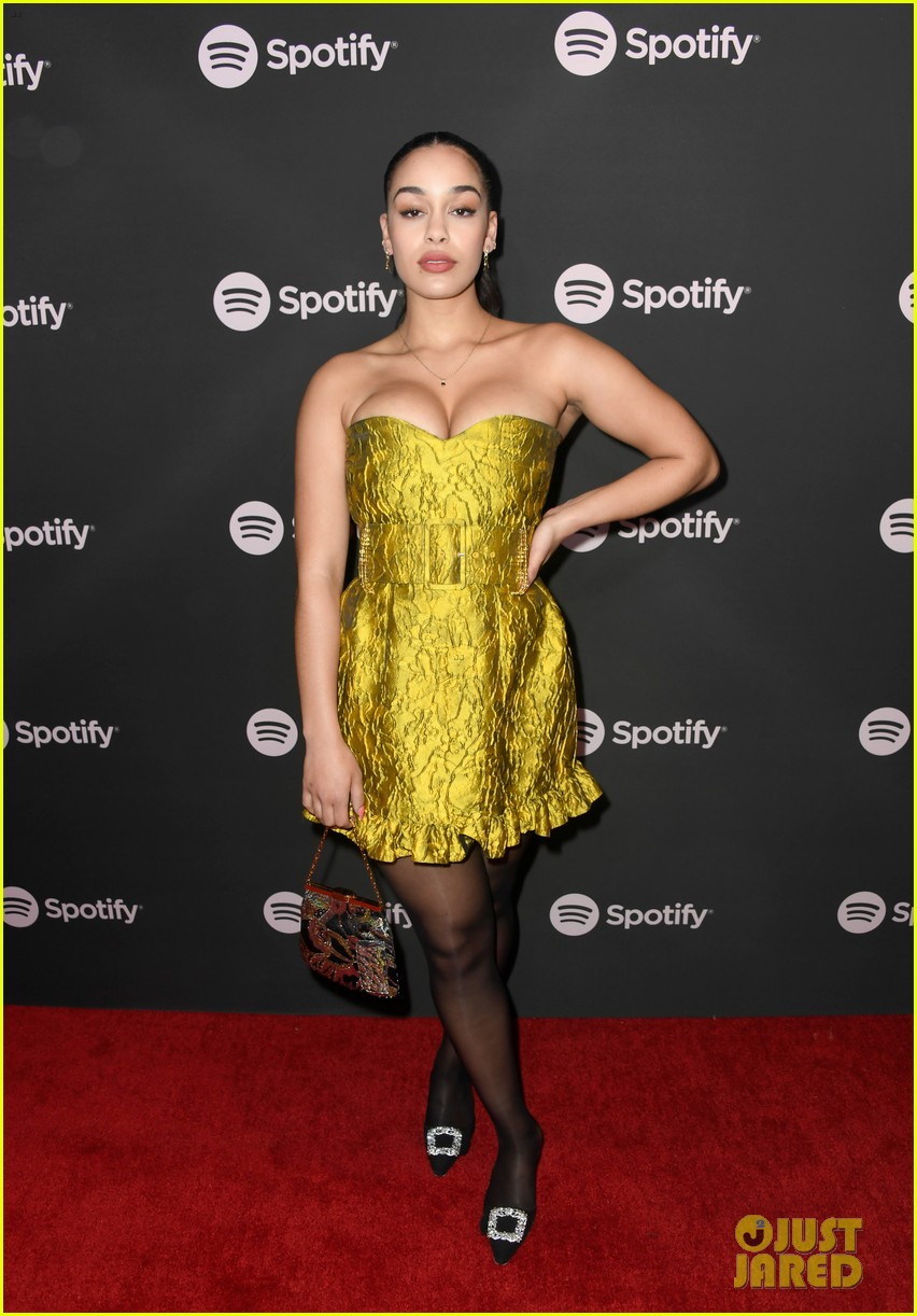 james blake jameela jamil couple up at spotify pre grammy party 034225933