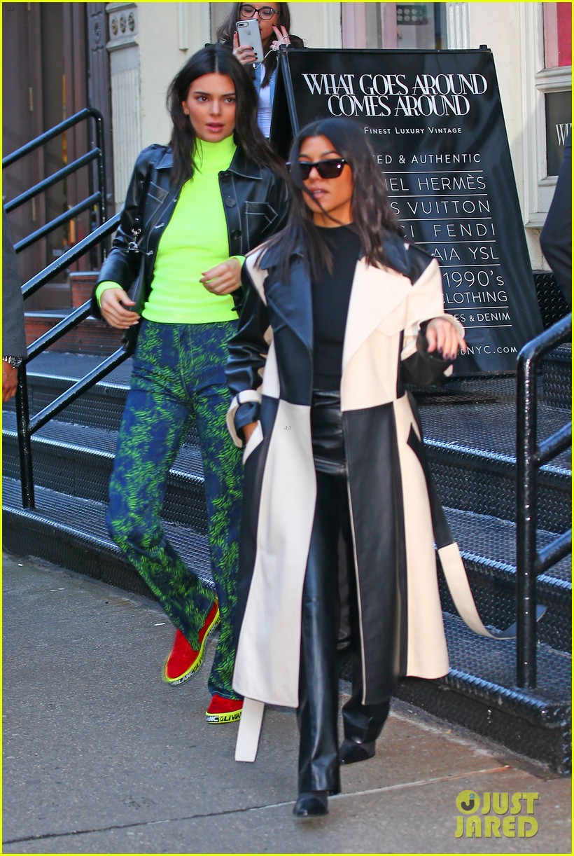 kendall jenner hangs with ben simmons and kourtney kardashian in nyc 09