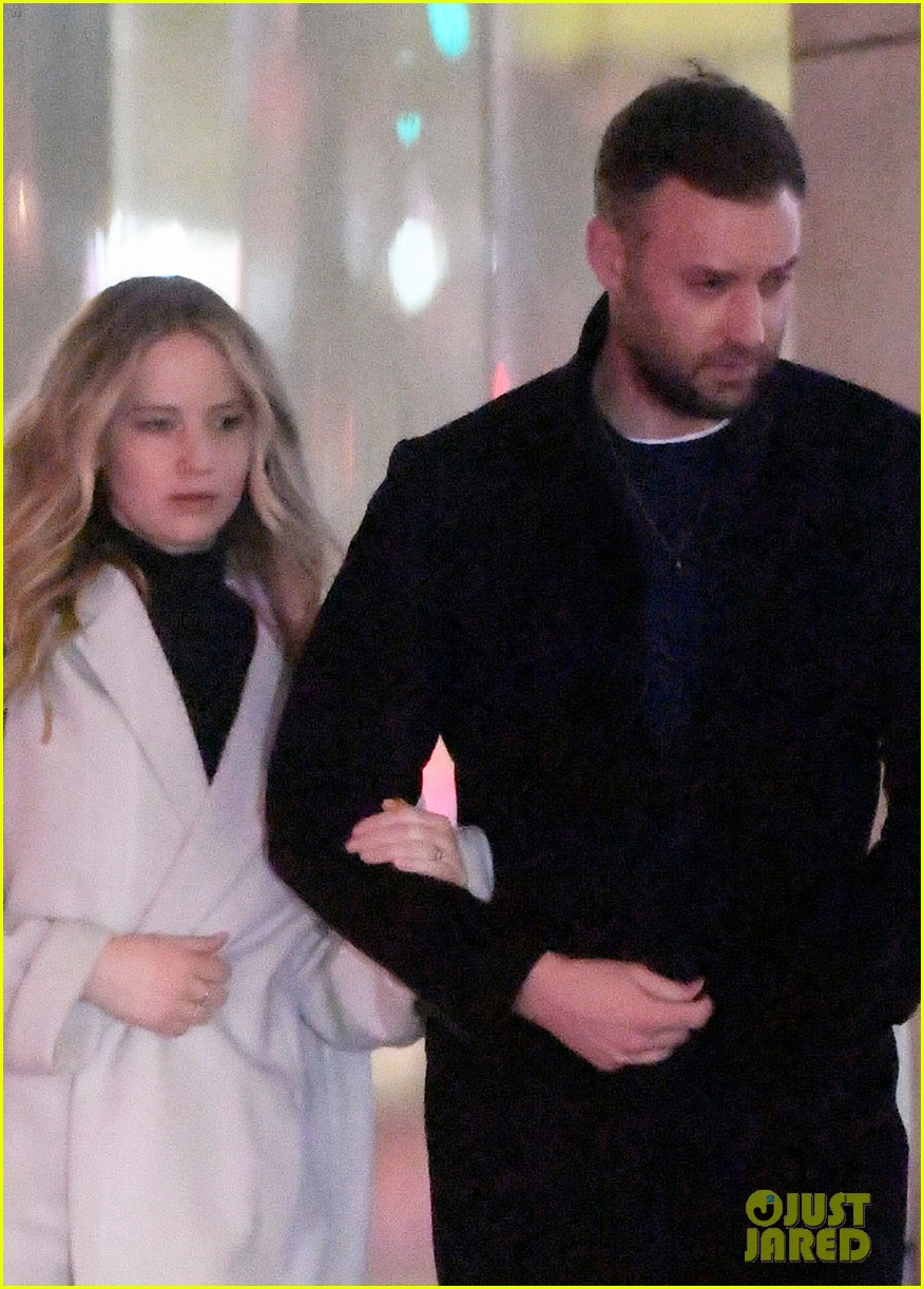 jennifer lawrence fiance cooke maroney meet up with friends nyc 034244115