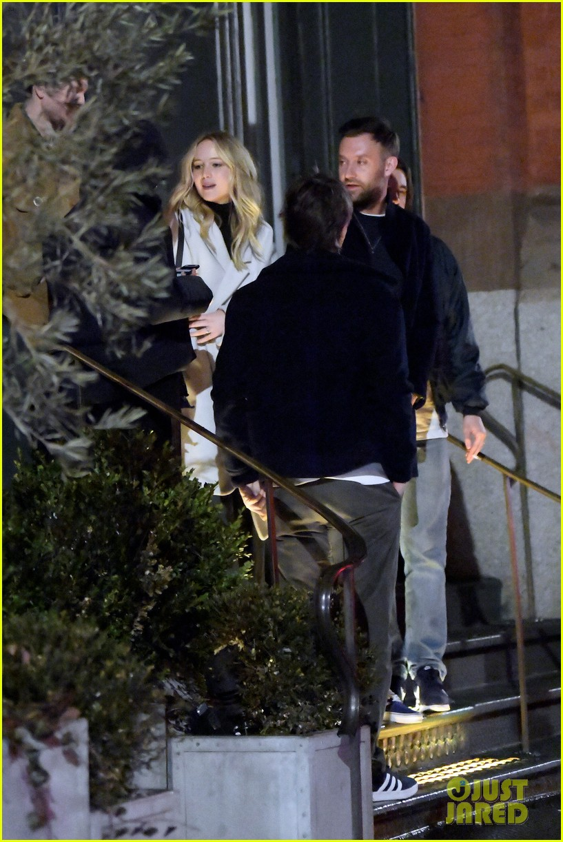 jennifer lawrence fiance cooke maroney meet up with friends nyc 054244117