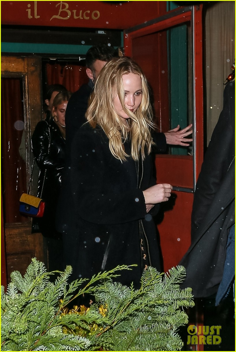 jennifer lawrence fiance cooke maroney after confirming engagement 074224904