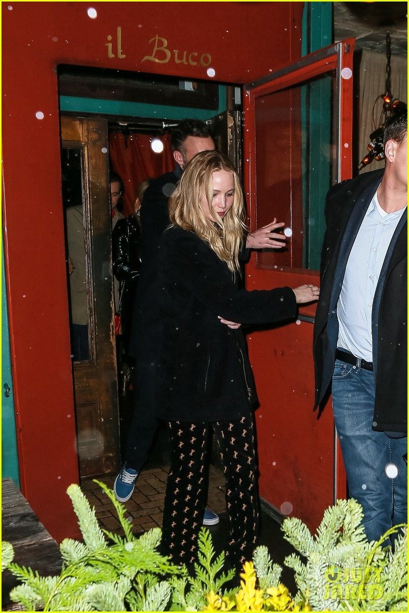 jennifer lawrence fiance cooke maroney after confirming engagement 104224907