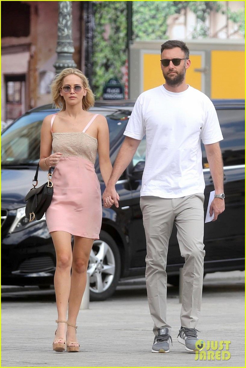 jennifer lawrence is engaged to cooke maroney rep