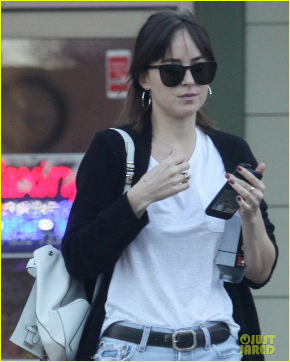 dakota johnson rocks ripped jeans to the nail salon 04