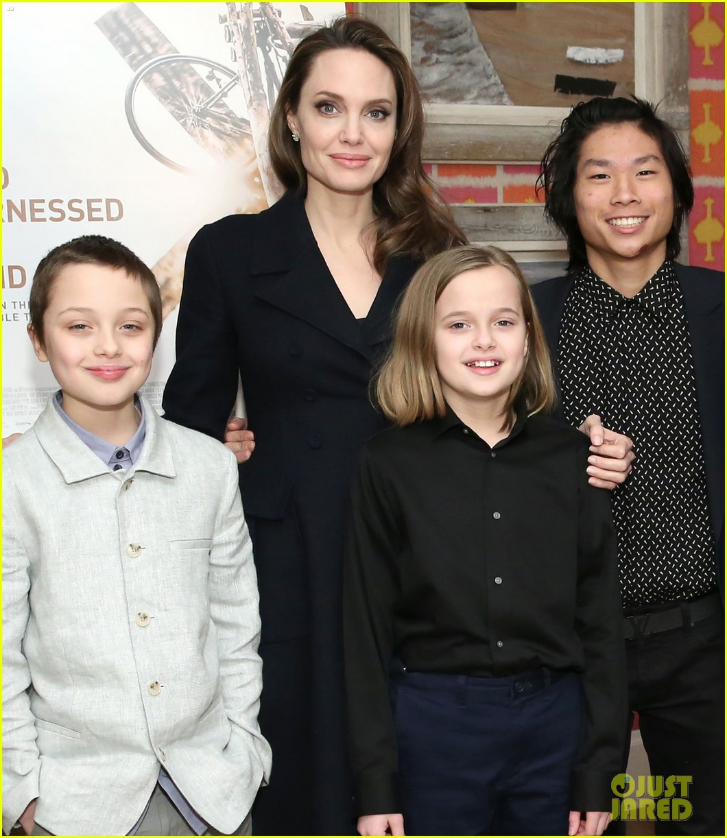 angelina jolie hosts screening with all six children 124248137