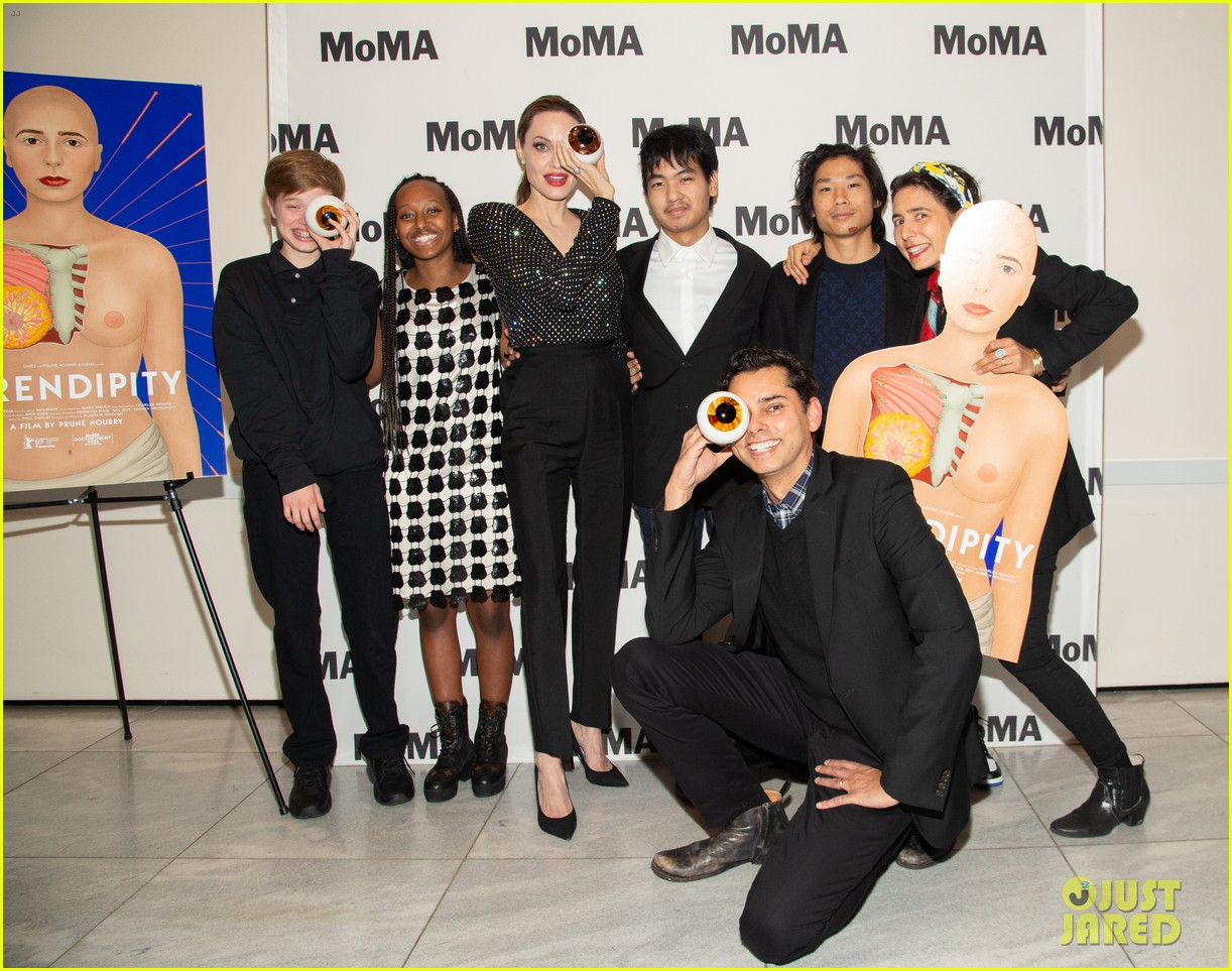 angelina jolie kids join her nyc movie premiere 074243970