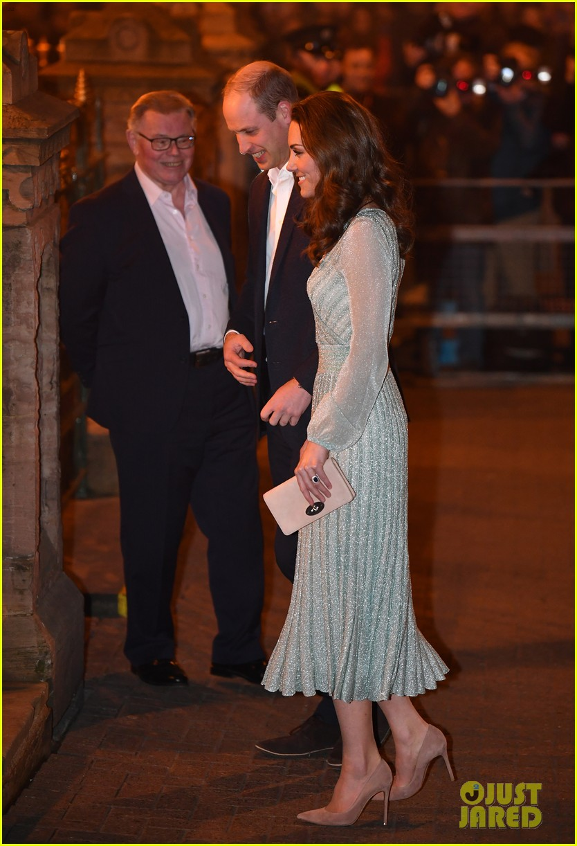 kate pippa middleton separate events 01