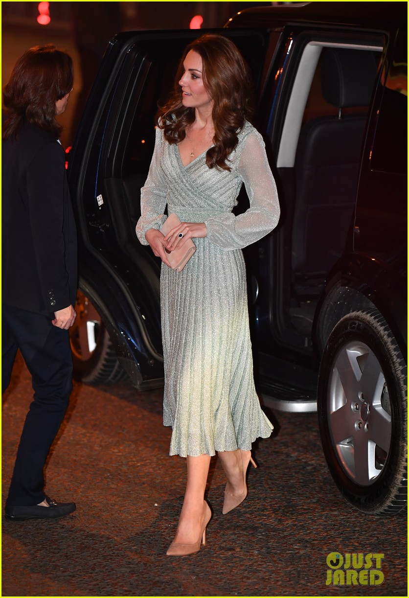 kate pippa middleton separate events 02