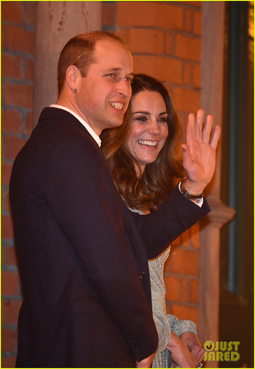 kate pippa middleton separate events 11