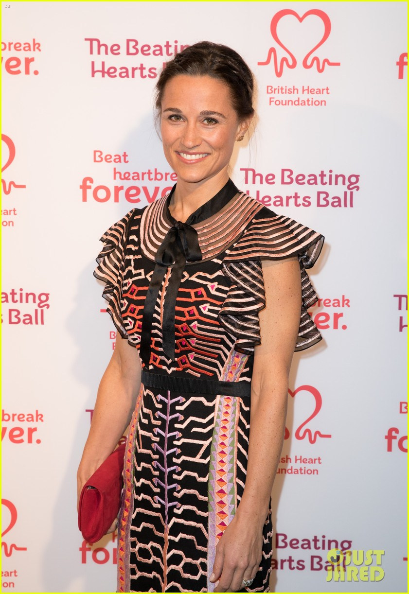 kate pippa middleton separate events 12
