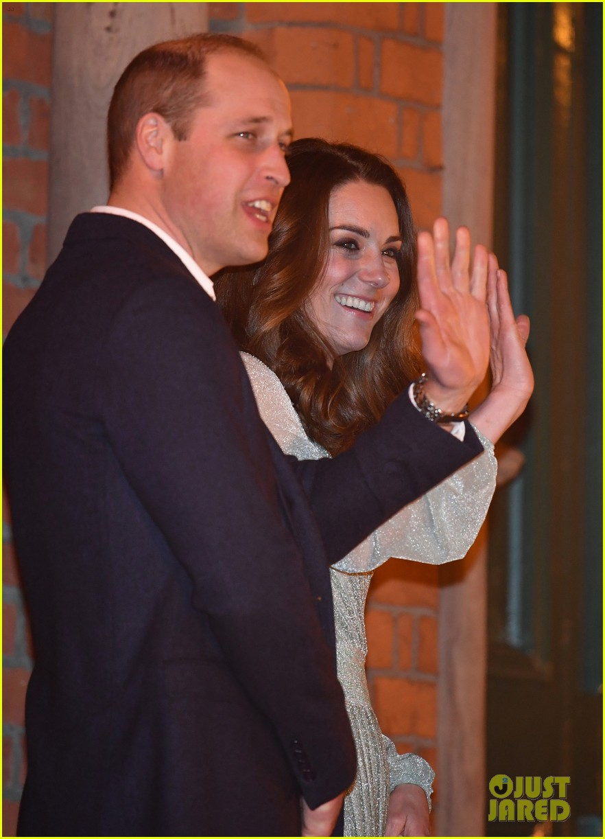kate pippa middleton separate events 19
