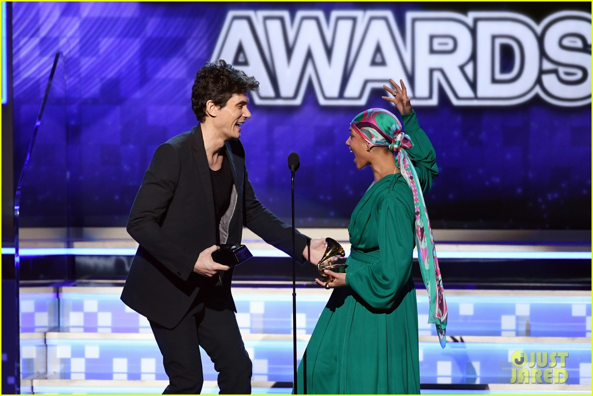 john mayer broke his 2004 grammy award shares it with alicia  04
