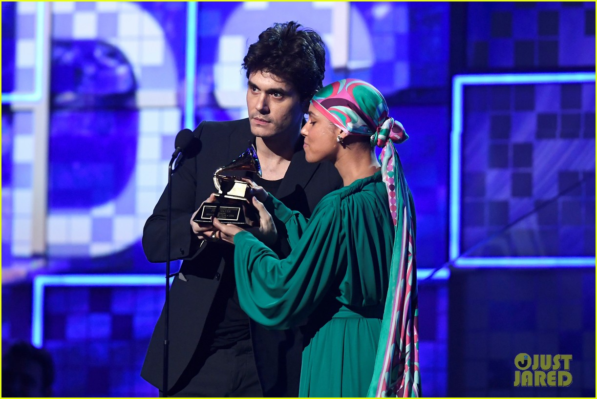john mayer broke his 2004 grammy award shares it with alicia  09