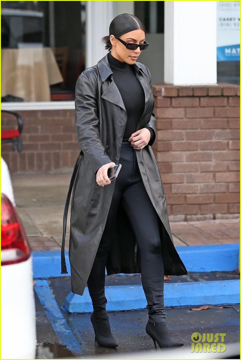 kim kardashian responds to bad skin day headline referring to these photos 034223645