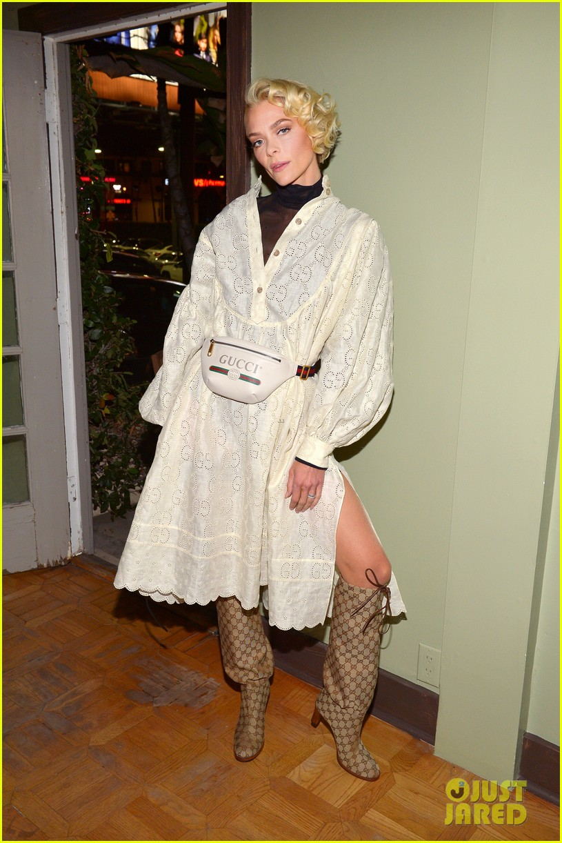 jaime king supports dr woo at frieze l a celebreation 034239133